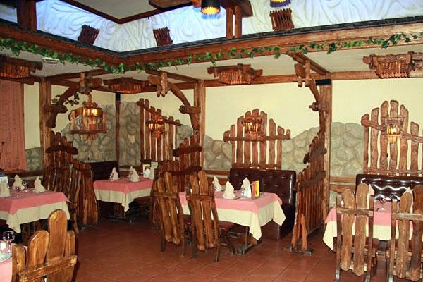 Грузинский Ресторан Хижина на Пражской фото