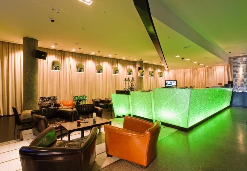�������� Apple Bar & Restaurant ����