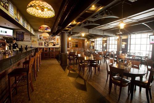 Пивной ресторан Международная Пивная Станция на Кантемировской фото 1