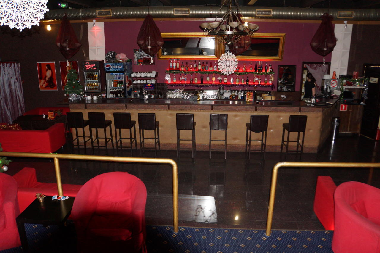 Шпилька ночной клуб в ясенево работа для мужчин ночной клуб