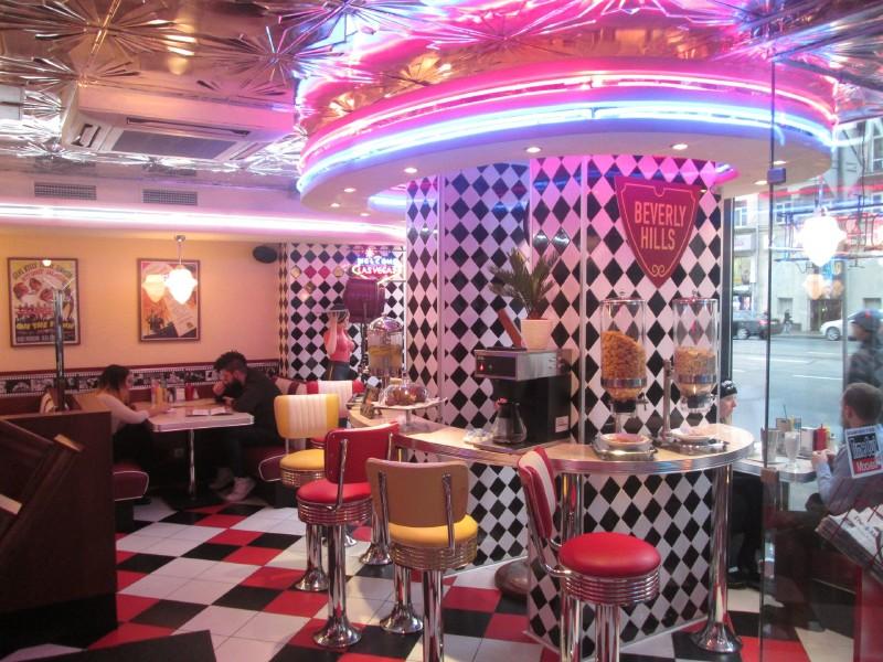 Beverly Hills Diner на Тверской фото 1
