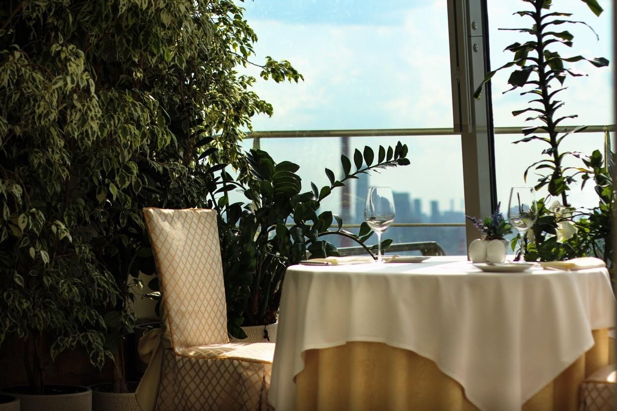 Панорамный Ресторан в гостинице Зимний Сад фото 2