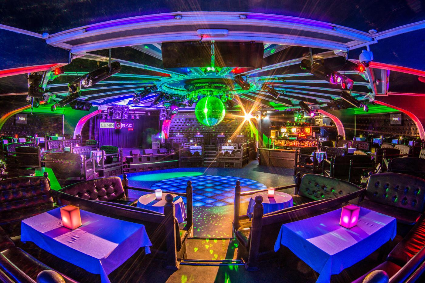 Ночные клубы москвы ретро дискотека ночной клуб транссексуалов в москве