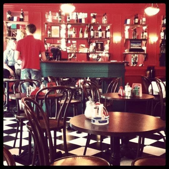 Французское Кафе Жан-Жак на Маросейке (Китай Город / Покровка) фото 1
