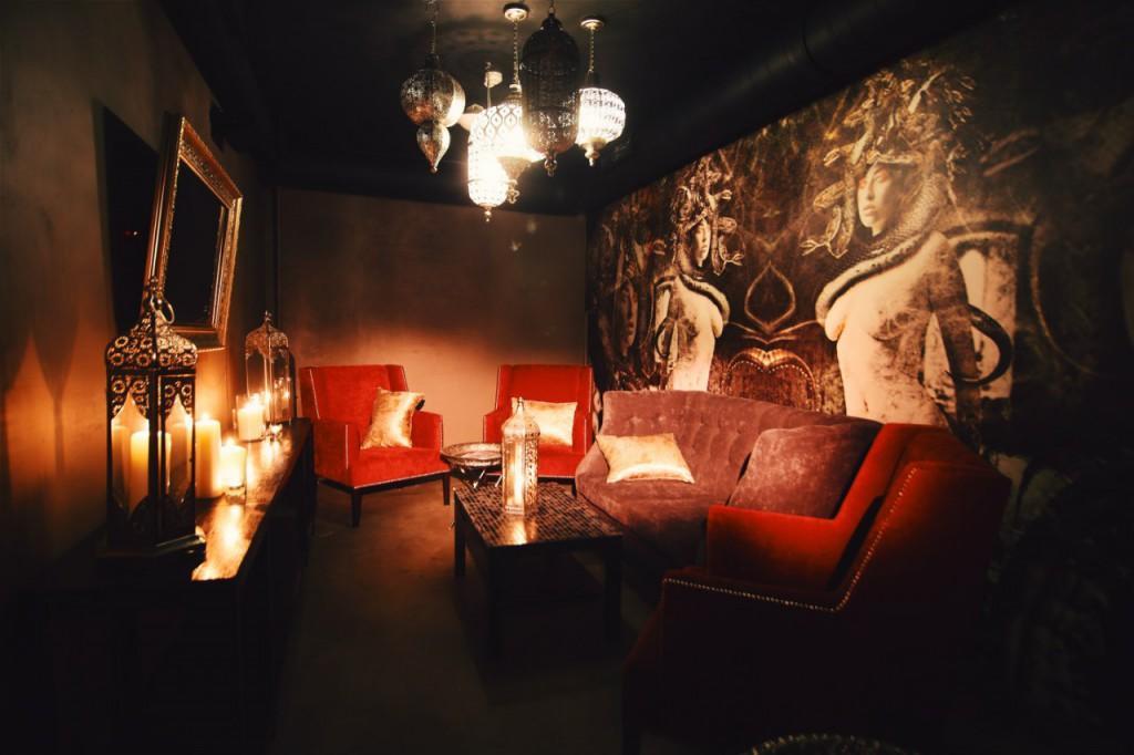 ��������� F-Lounge �� �������� ���� ����