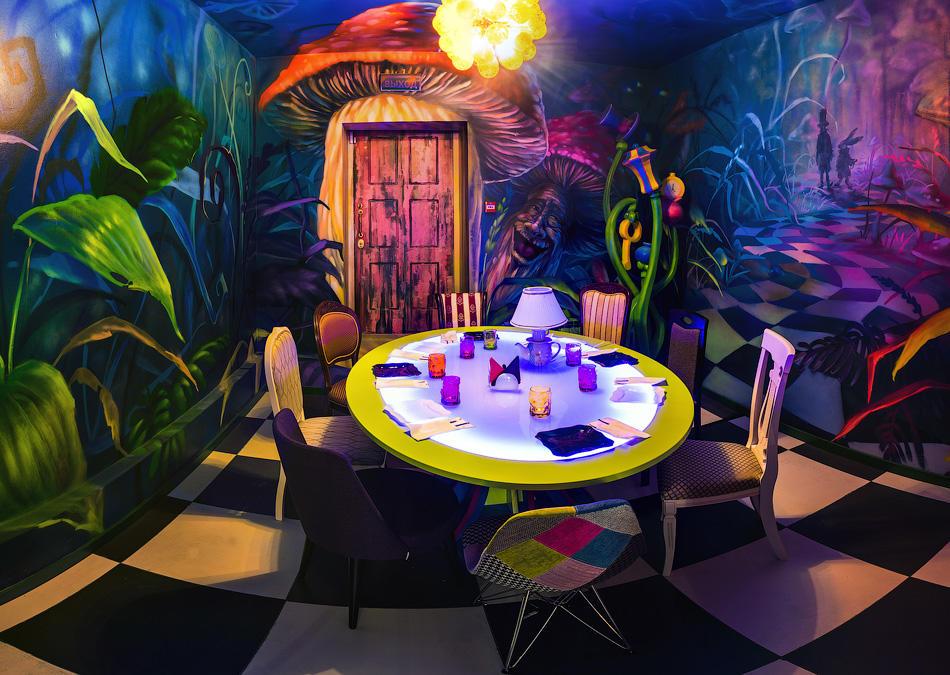 Кафе Алиса в стране чудес фото 2