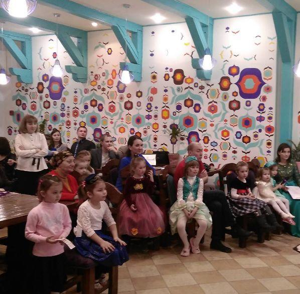 Чайхана в узбекистане является своеобразным центром общественной жизни, в нее спешат и путешественники