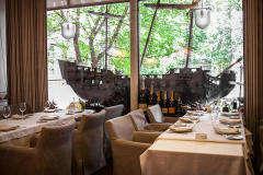 Средиземноморский Ресторан Ботик Петра на Лесной фото 2
