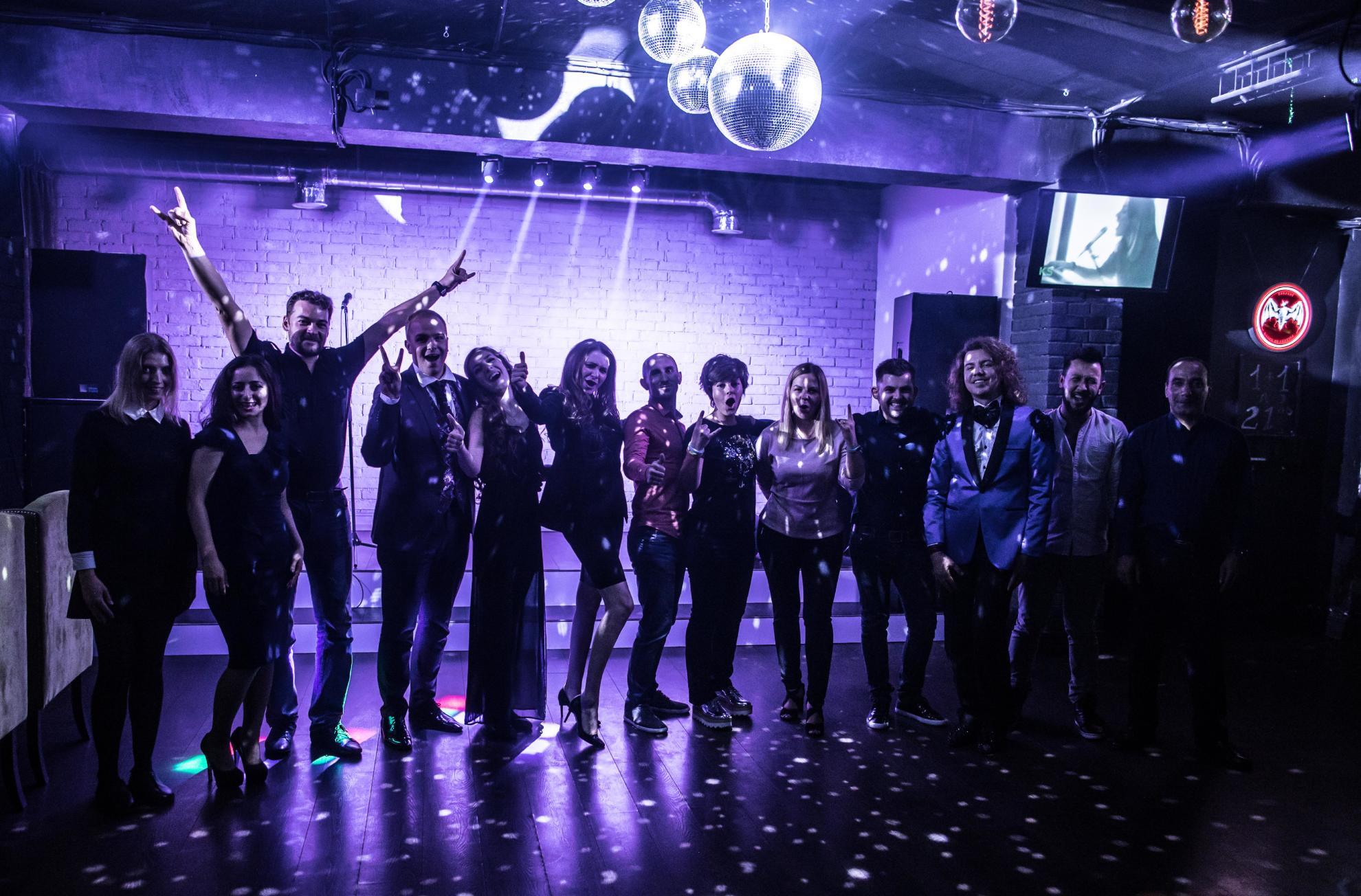 Клубы ночные в москве с танцполом недорого меню дизайн для ночного клуба
