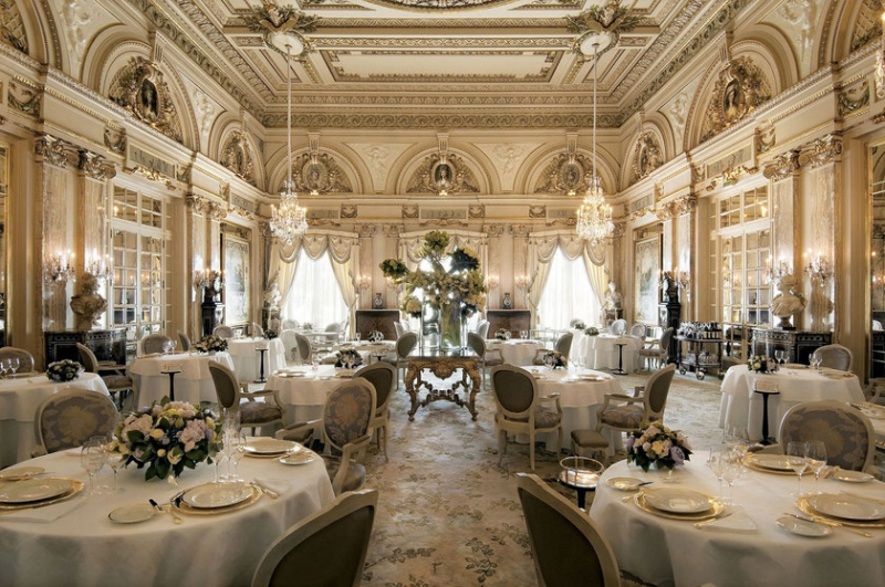 Интерьер одного из самых дорогих ресторанов Москвы