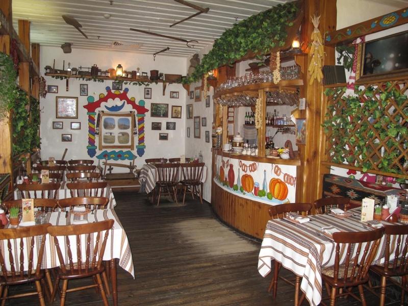 Интерьер одного из ресторанов сети Тарас Бульба