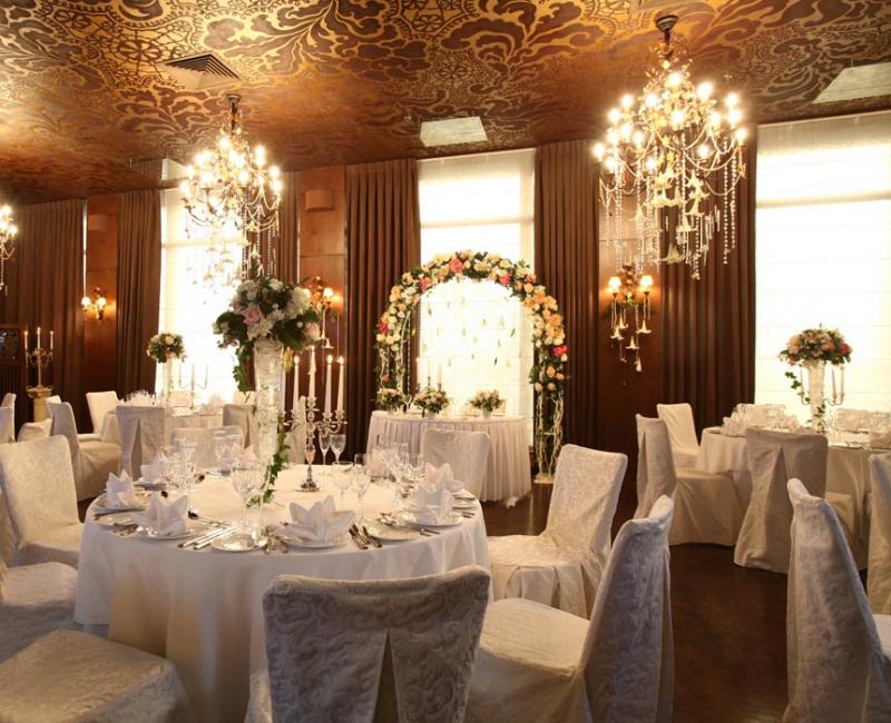 Интерьер одного из банкетных залов для свадьбы в Москве.
