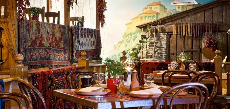 Мы предлагаем забронировать столик в ресторане Кавказская пленница онлайн всем любителям знаменитого фильма!