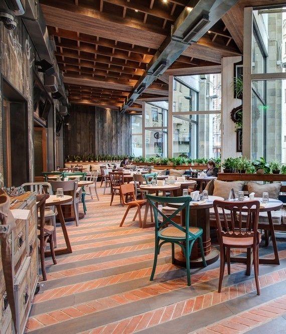 Предлагаем вам заказать любой из этих столиков в ресторане «Пряности и радости» через наш портал!