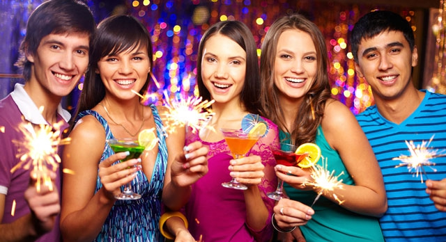 Заказ столика на Новый год не будет для Вас проблемой, если Вы пользуетесь системой GdeBar.ru!