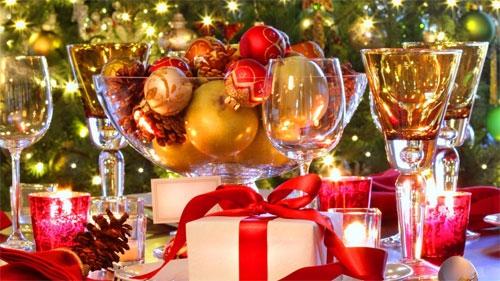 Забронировать столик в ресторане для встречи Нового года можно онлайн через через портал Gdebar.ru.