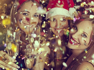 Будем отмечать новогодний корпоратив 2015 в ресторане! Ну, GdeBar.ru, помог!